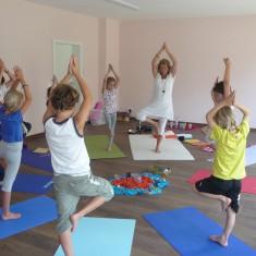 Kinder-Yoga